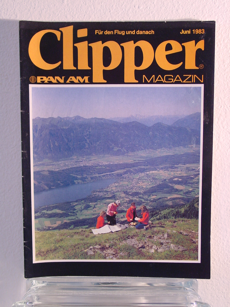 1983 June, German language version of Clipper in-flight Magazine.