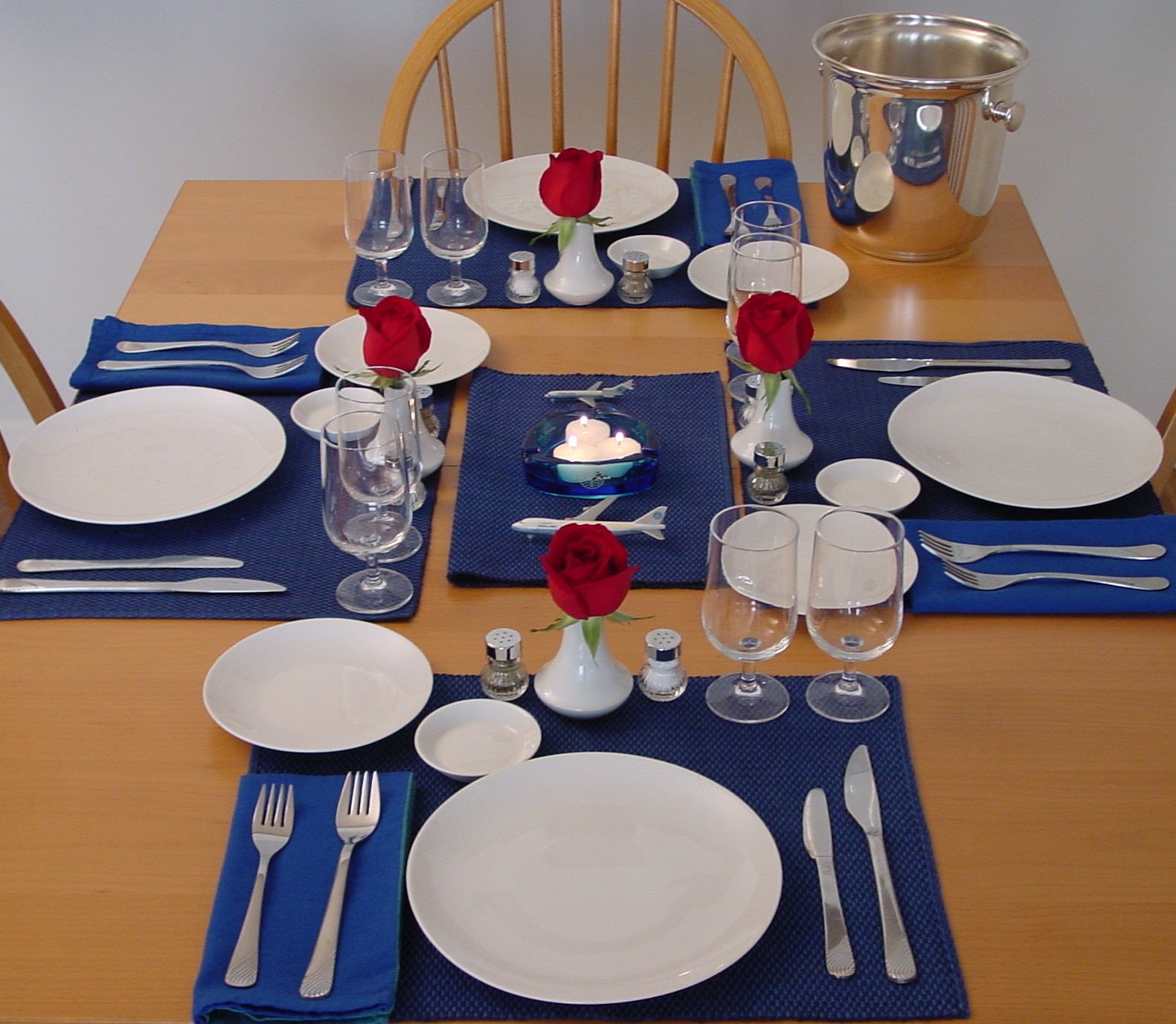 Pan Am's simple white 1980s china pattern produced by Bauscher Weiden of Germany is used for this table setting.