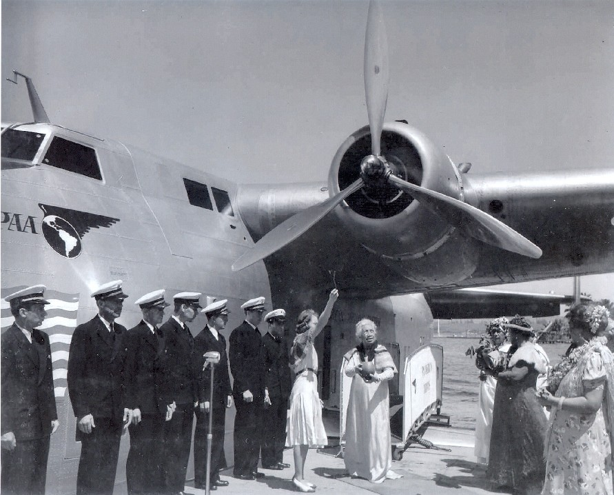 1939 Helen Poindexter, Daughter of th Governor of Hawaii, Christening Honolulu Clipper NC18601